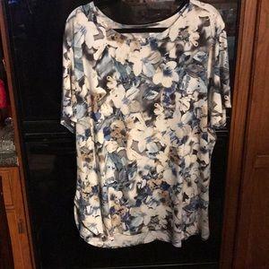 Shirt 22/24 Like new You'll love this comfy shirt